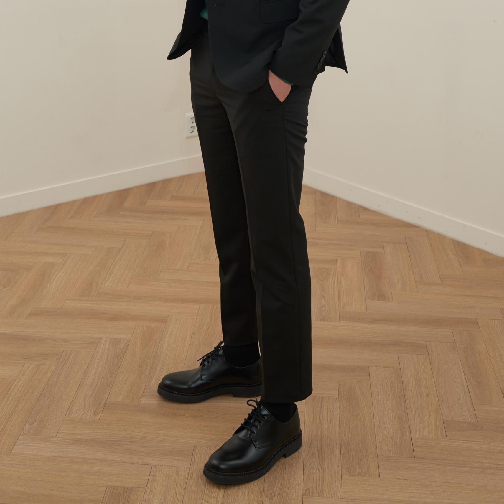 [모노소잉]MONO WOOL SET-UP TROUSER(BLACK)