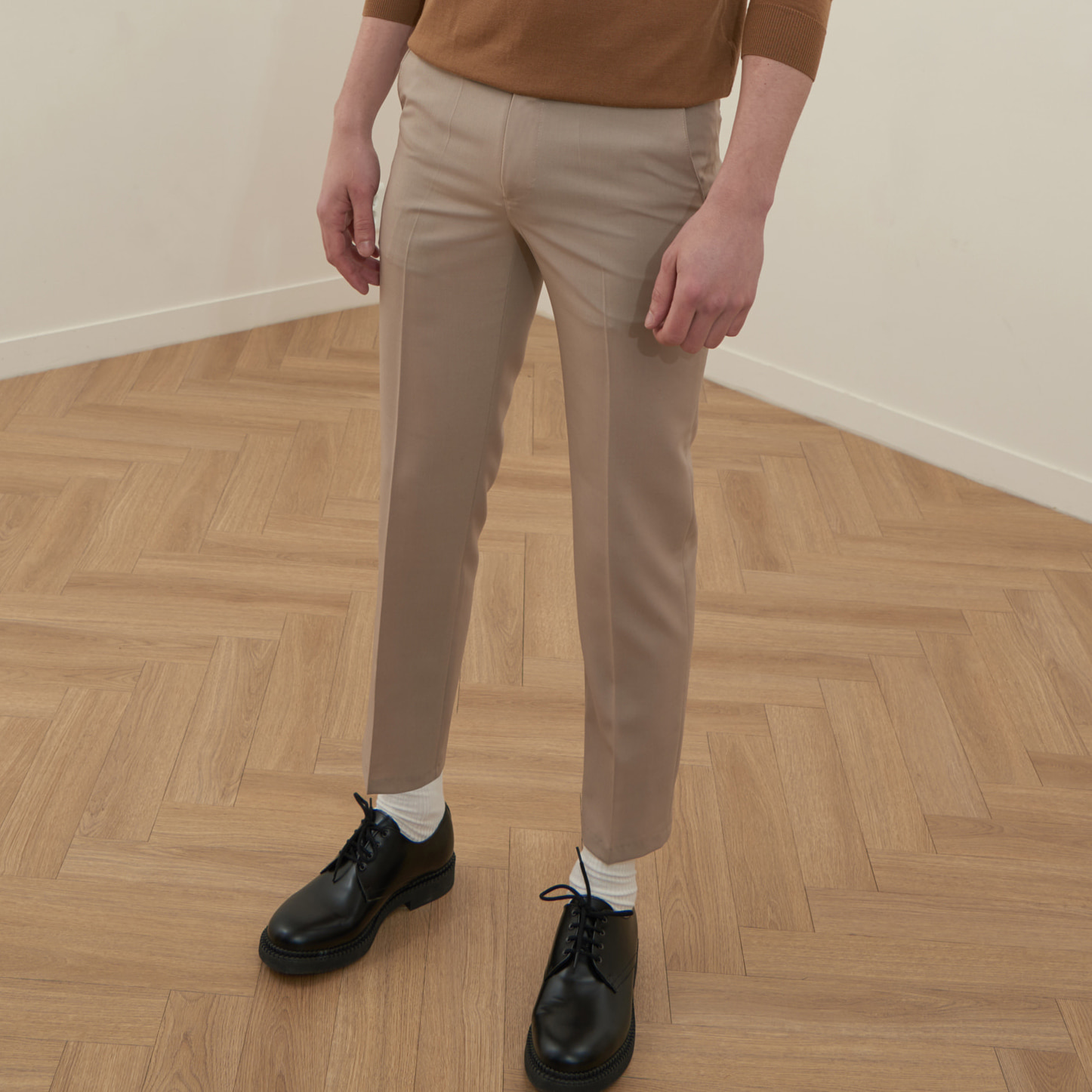 [모노소잉]COLOR WOOL TROUSER(LIGHT BEIGE)