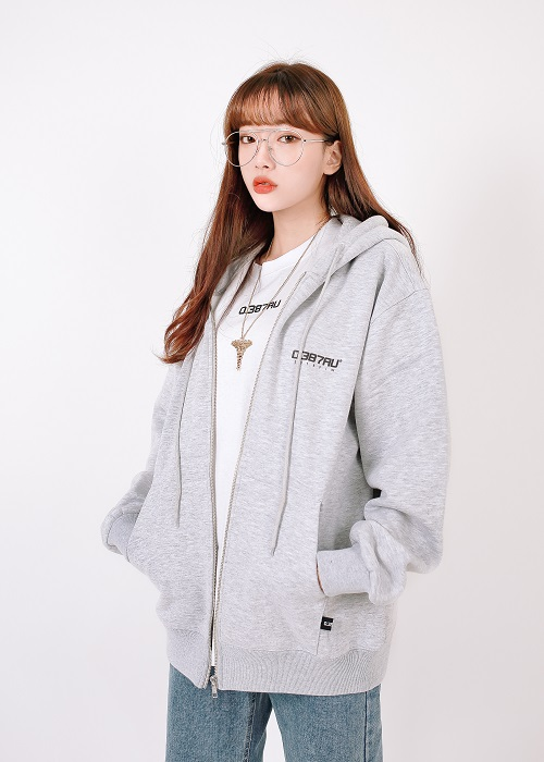 [0.387AU] Logo hood zip-up Gray 한정 상품