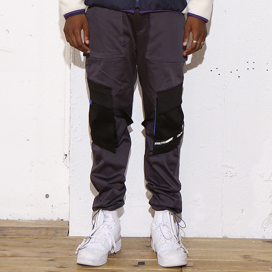 [알디브이제트] DIAGONAL POCKET CARGO PANTS GREY