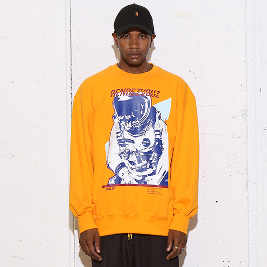 [알디브이제트] SPACE MAN SWEAT TOP ORANGE