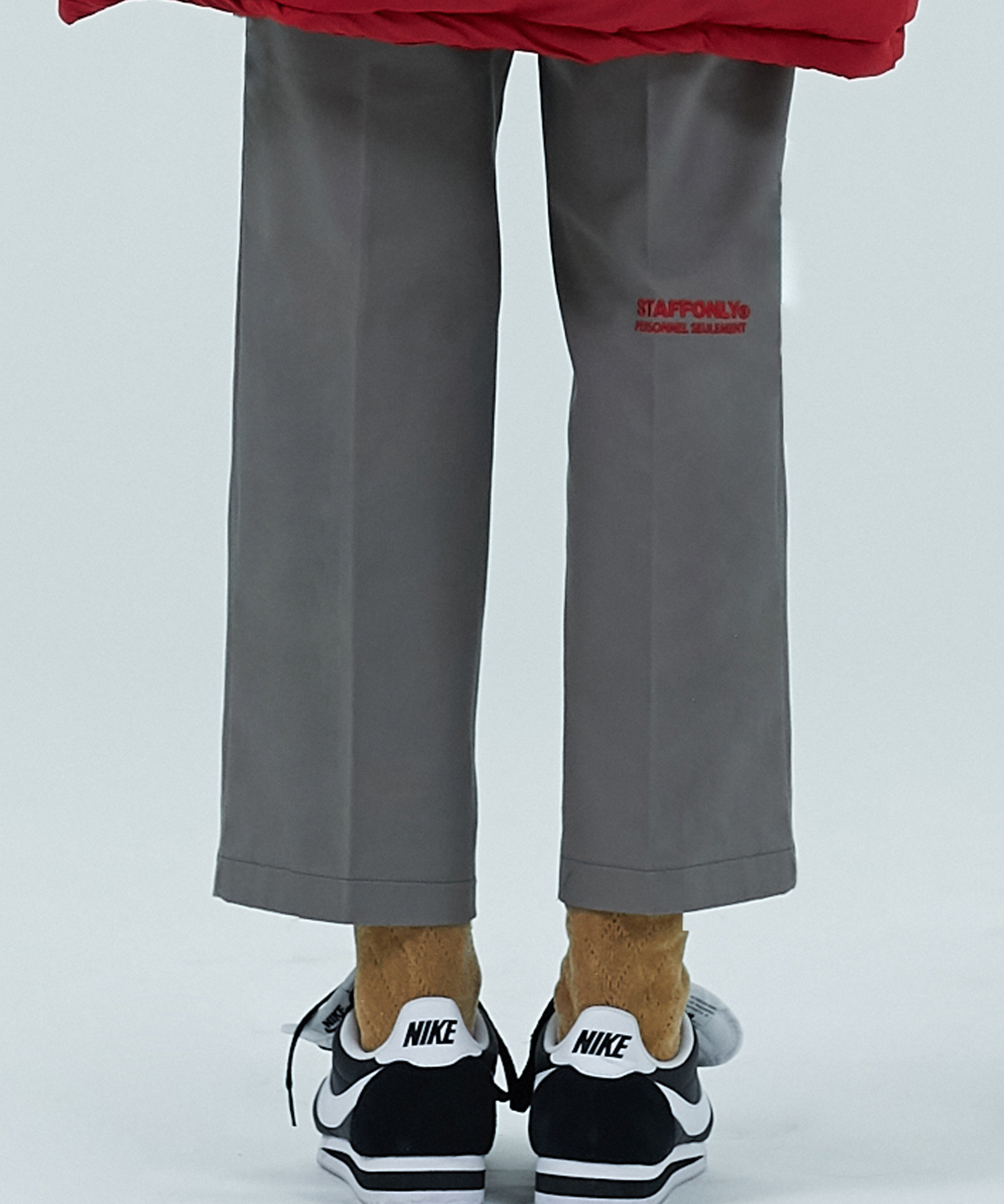 [스텝온리]FRONT CHAIR LEG PANTS (GRAY)