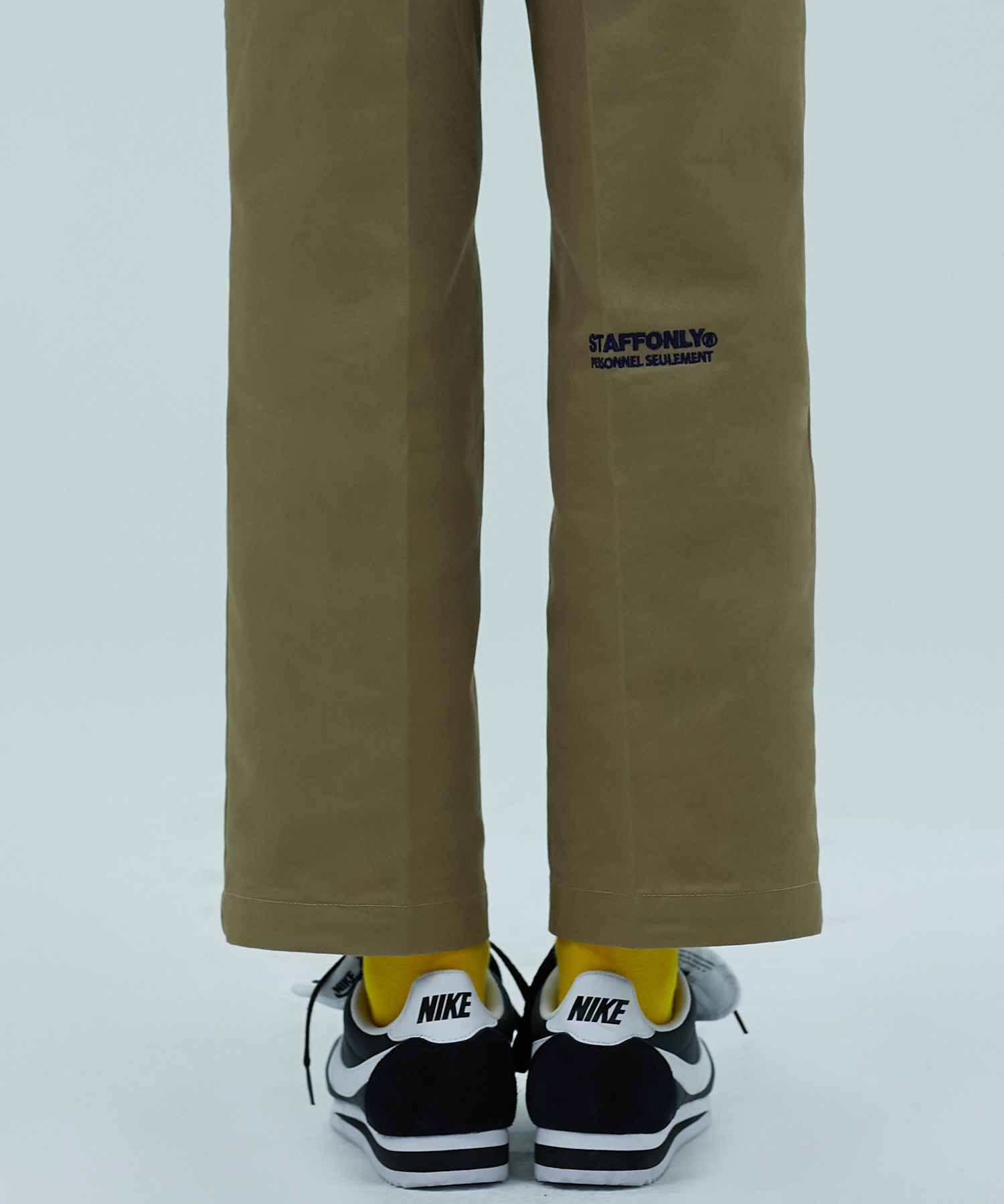 [스텝온리]BACK CHAIR LEG PANTS (CAMEL)