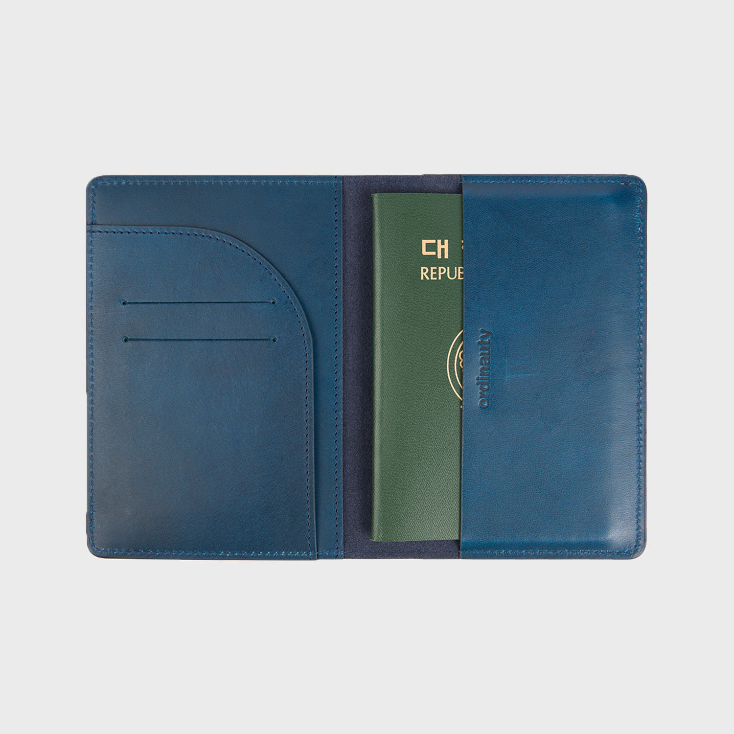 [오디너티]All in 1 PASSPORT NAVY (Buttero, Italy vegetable leather)