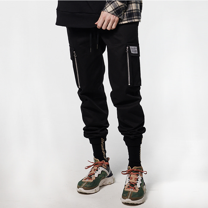 [데드엔드] BLACK CARGO ZIPPER JOG PANTS