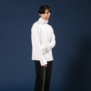 [우니베르소]SHIRT CUFFS TURTLE NECK T-SHIRT-WHITE