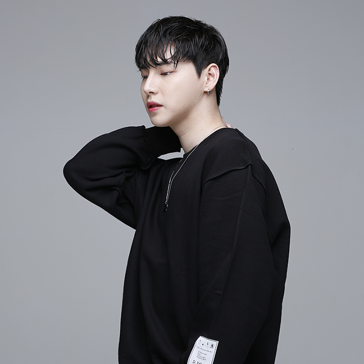 [디쏘에이치] Label MTM [Black]