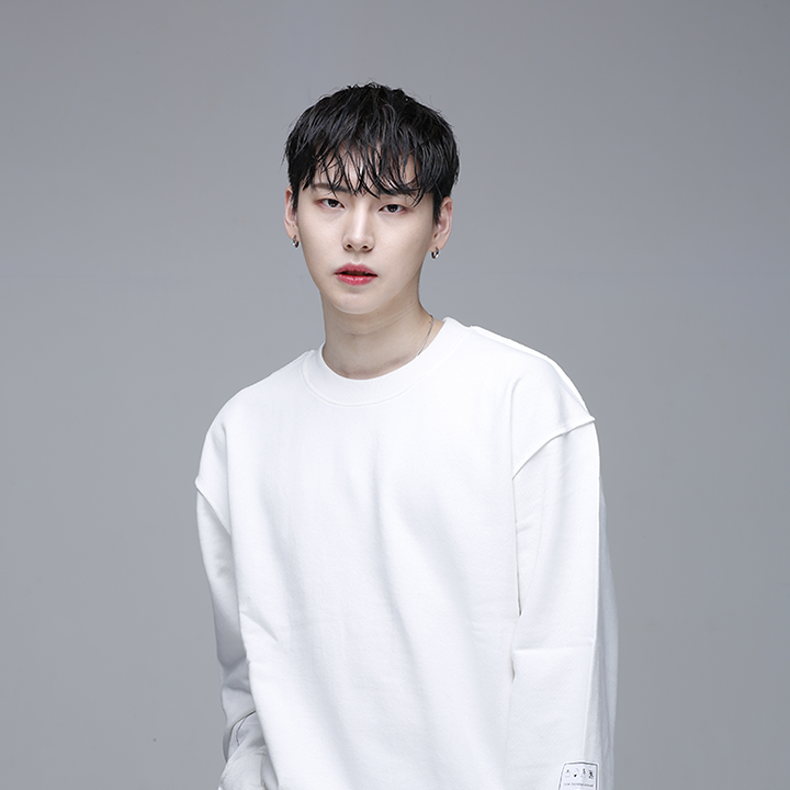 [디쏘에이치] Label MTM [White]