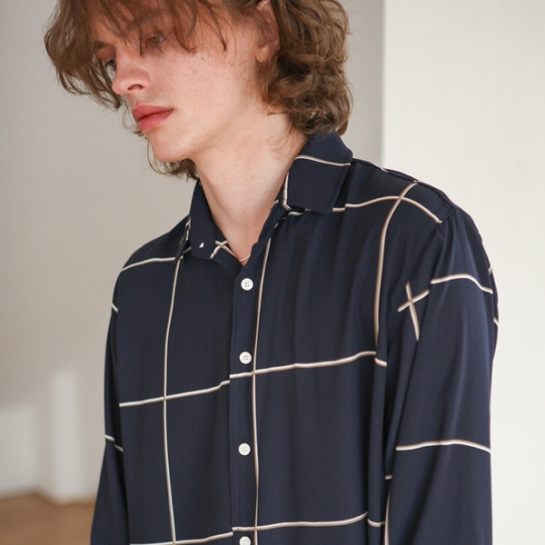 [트립르센스] SQUARE PATTERN CHECK SHIRTS NAVY