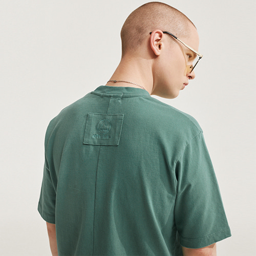 [에이글로우] SOFT FABRIC BACK POINT LABEL T-SHIRTS SOFT GREEN