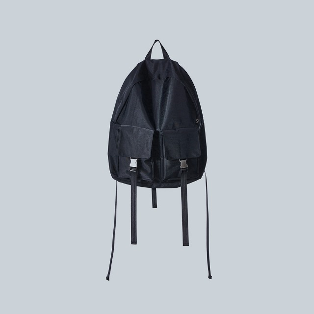 [이우가마카라스] Silver Buckle Backpack