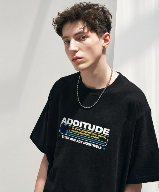[에드] ADDITUDE STAMP TEE BLACK